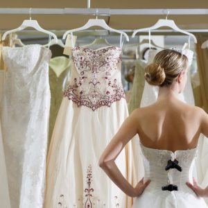 12 Steps to Finding the Wedding Dress of Your Dreams